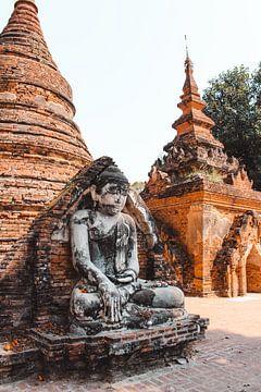 Détail du temple d'Inwa (aussi appelé Ava). Près de Mandalay au Myanmar, ancienne Birmanie. sur Maartje Kikkert