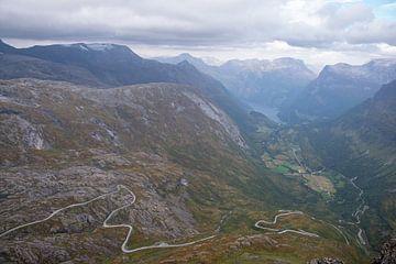 Uitzicht op Geirangerfjord van