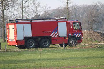 schuimbluswagen brandweer 05-1361 van Persbureau Hofman B.V.