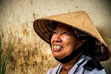 Portret van een oude vrouw in Vietnam