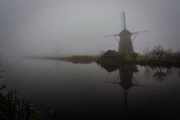 Mist bij Kinderdijk van Due Fotografi