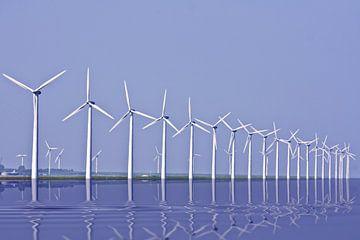 Windturbinen auf dem IJsselmeer in den Niederlanden von Nisangha Masselink