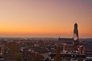 Orange au-dessus de la ville de Weert sur J..M de Jong-Jansen