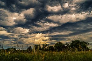 Wavy clouds van Nathalie Labrosse