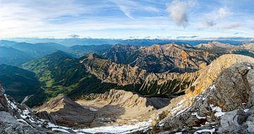Panoramaausblick vom Piza dales Nü in den Dolomiten von Leo Schindzielorz