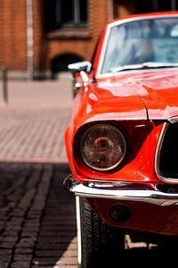 De rode auto
