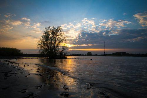 Sunset Lopik van Serge Sanramat