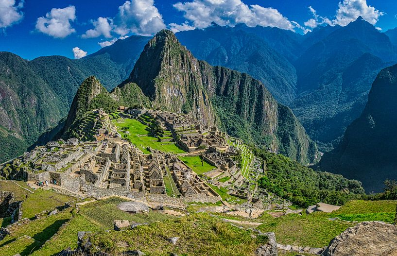 Overzicht van de verborgen stad, Machu Picchu, Peru van Rietje Bulthuis