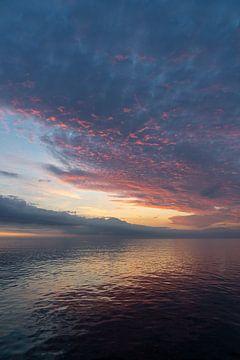 Sonnenaufgang auf See. von Henri Boer Fotografie