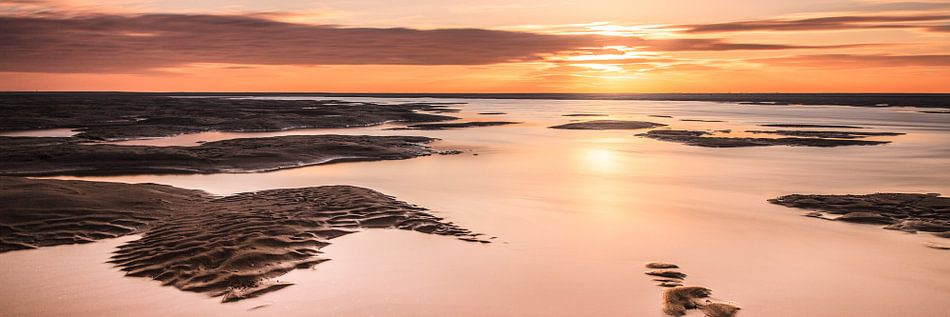 Kijkduin panorama tijdens zonsondergang van Tom Roeleveld