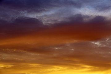 Kleurrijke zonsondergang van Ronald Smits