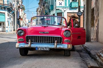 Voiture Vintage Rose Cuba sur Manon Ruitenberg