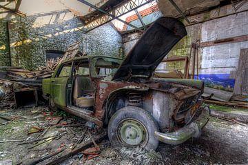 de vervallen auto van Erik Borst