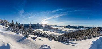 Sonnenuntergang über der Zugspitze von Sandra Schönherr