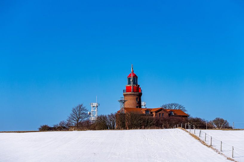 Der Leuchtturm in Bastorf im Winter von Rico Ködder