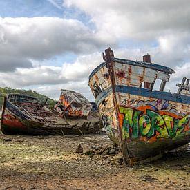 HDR Cimetiere a bateaux scheepskerkhof in Frankrijk van W J Kok