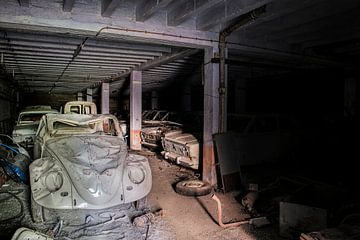 verlaten mijn / auto's  van Ivanovic Arndts
