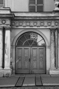 Porte antique à Vienne sur Elles Rijsdijk