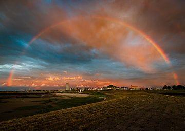 De regenboog over Terneuzen heen van Wesley Kole