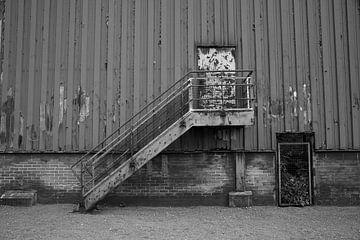 Treppe und Tür von Wytze Plantenga