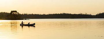 Kanufahren in der untergehenden Sonne von Marloes van Pareren