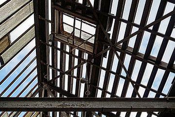 alte Halle mit offenem Dach von wil spijker