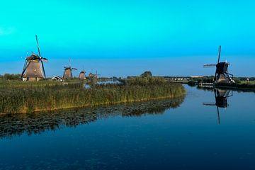 Kinderdijk molens in de avond van Maarten Verhees