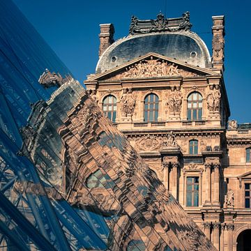 Reflecties, Louvre van Jeroen Knippenberg