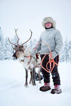 Sami mit Rentier von Menno Boermans