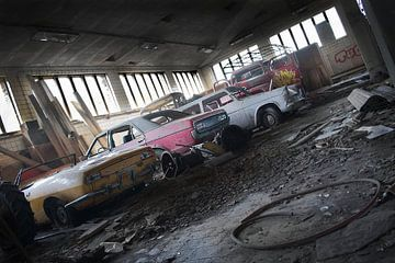 Verlaten mijn / oude auto's  van Ivanovic Arndts