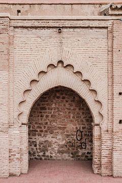 Porte dans la médina de Marrakech sur Wendy van Aal