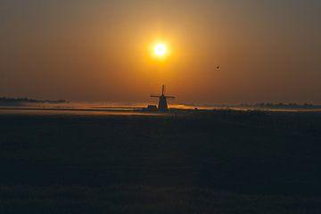 Molen de Bosmolen tijdens zonsopkomst van Henry Oude Egberink