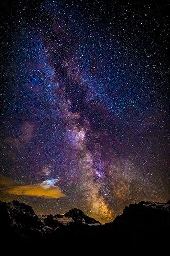Centre galactique au-dessus des montagnes