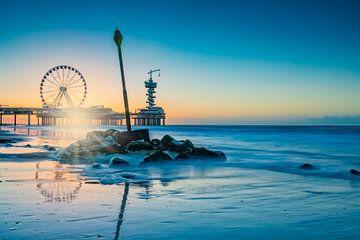 coucher de soleil le long de la côte de Scheveningen sur gaps photography