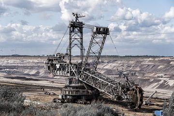 Der Betrieb der Braunkohlengrube in Jackerath in Deutschland läuft weiter auf Hochtouren. von Jaap van den Berg