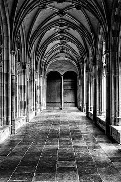 De Pandhof van de Domkerk in Utrecht (4) in zwart-wit van De Utrechtse Grachten