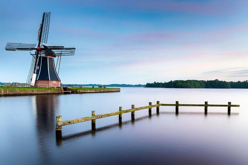 Moulin à vent De Helper après le coucher du soleil sur Evert Jan Luchies
