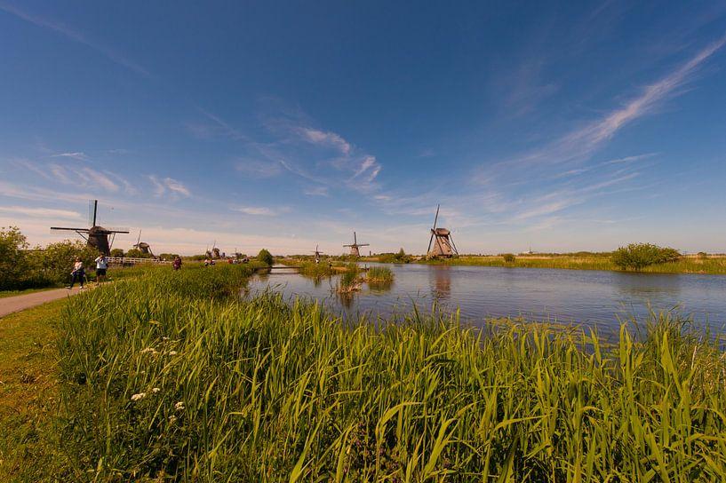 Kinderdijk Windmills in Holland van Brian Morgan