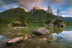 Zonsondergang Hintersee, Duitsland van Bob Slagter