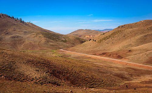 Weg door het Atlasgebergte in Marokko