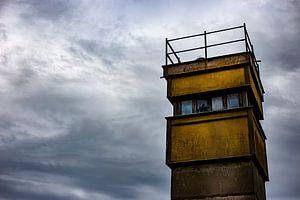 Een uitkijktoren van de DDR van