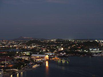 Curacao in de avond van Atelier Liesjes