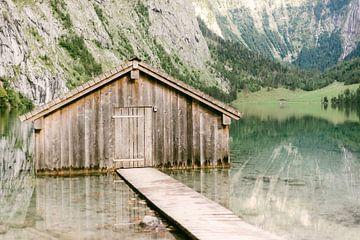 Het vergeten huisje in de Berchtesgaden, Duitsland van Vildan Ersert