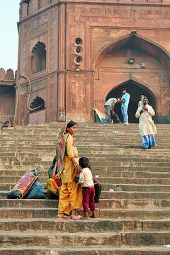 Mosque, Old Delhi, India van Milou Breunesse