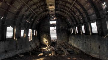 Inside The Plane Wreck van BL Photography