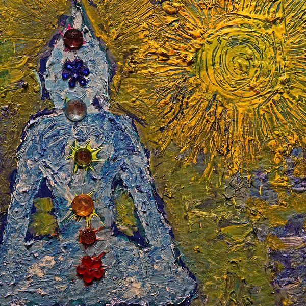 Boeddha in de zon met de zeven chakra's van Wieland Teixeira