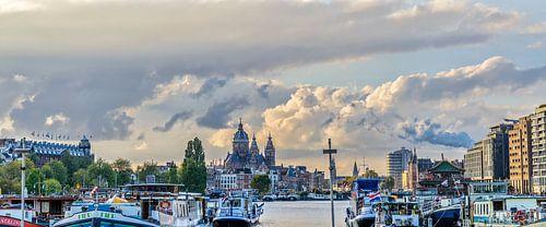 Amsterdam bij avond.