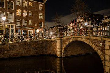 Spiegelgracht / Prinsengracht  Amsterdam by night van Bart Hagebols