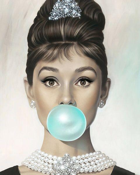 Audrey Hepburn Bubble Gum van David Potter