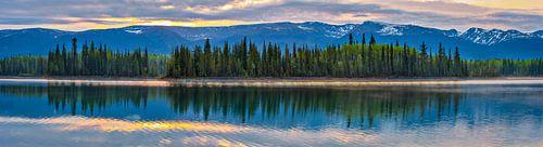 Zonsondergang bij Boya Lake, Canada